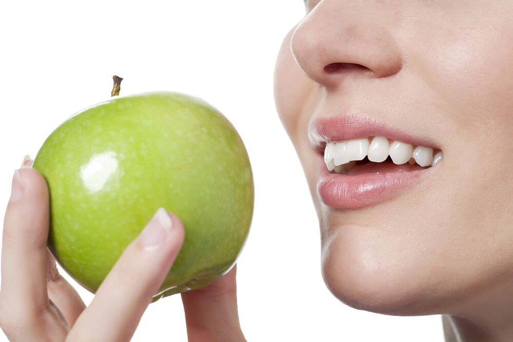 apples are a food that helps gum health