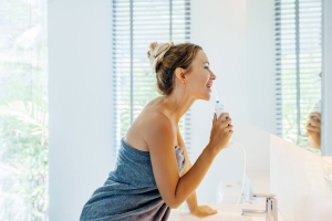 is-water-flossing-better-than-regular-flossing